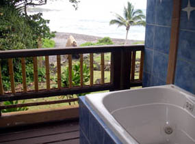 Spa tub on lanai of Honu Suite, Bamboo Inn in Hana, Maui, Hawaii, USA