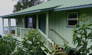 Eco-friendly guest cottage at Kona Rainforest Farms in South Kona, Big Island, Hawaii, USA