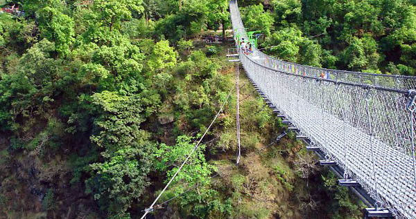 Suspension bridge to The Last Resort - Nepal