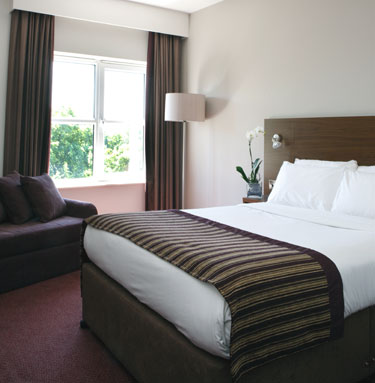 Bedroom, Jurys Inn Islington in London, England