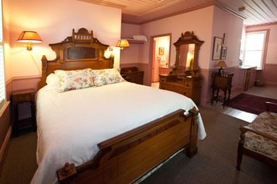 Calla Suite, Anne Hathaway's B&B in Ashland, Ore., USA