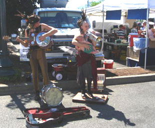 Musicians at Outdoor Growers Market in Grants Pass, Oregon, USA