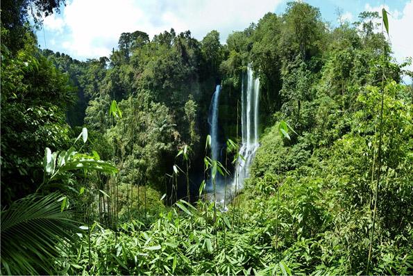 Sudaji waterfalls near OMunity Bali in Sudaji, Bali, Indonesia