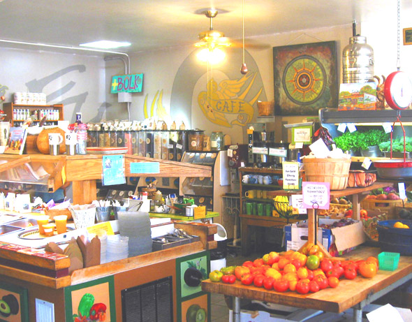 Organic market, The Farmer and the Cook - near Ojai, Calif., USA