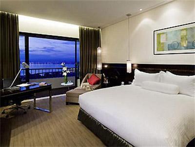 Guest room, Sofitel Philippine Plaza - Manila, Philippines