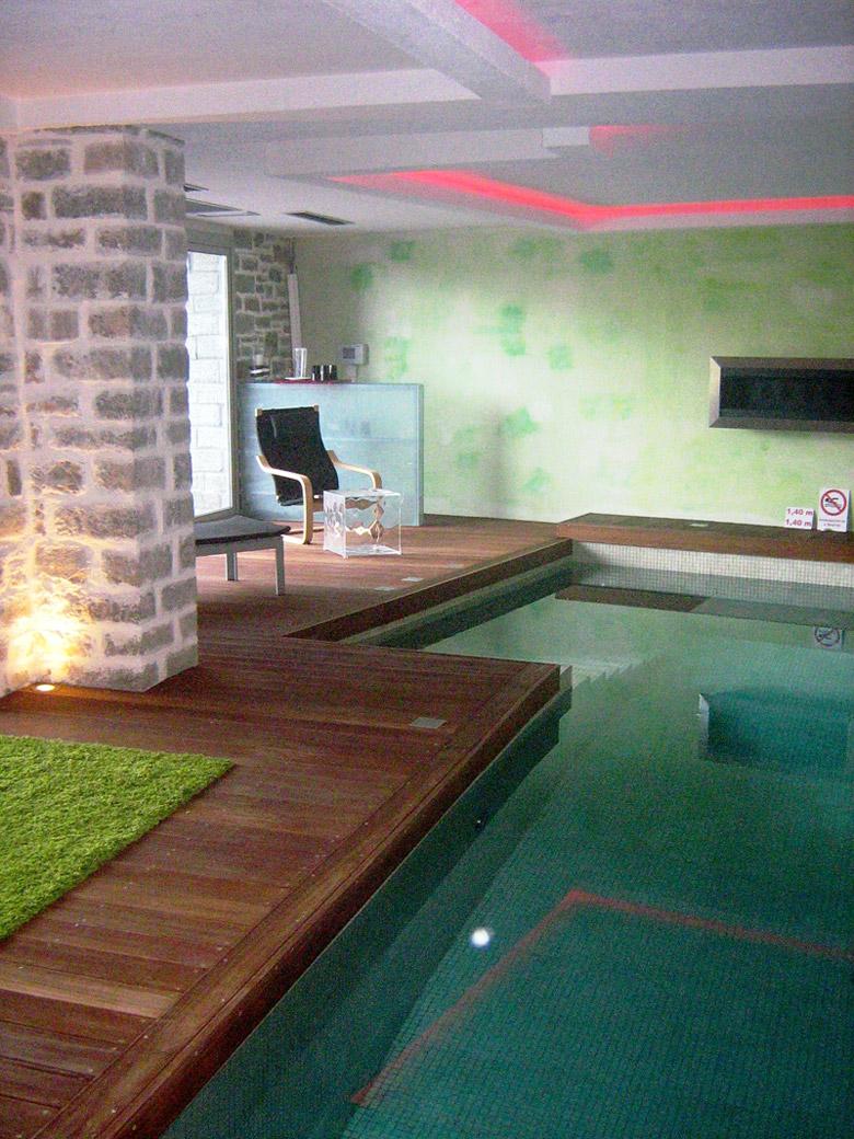 Spa pool, Mikro Papigo 1700 Hotel - Mikro Papigo, Zagori region in the Pindus Mountains, Greece