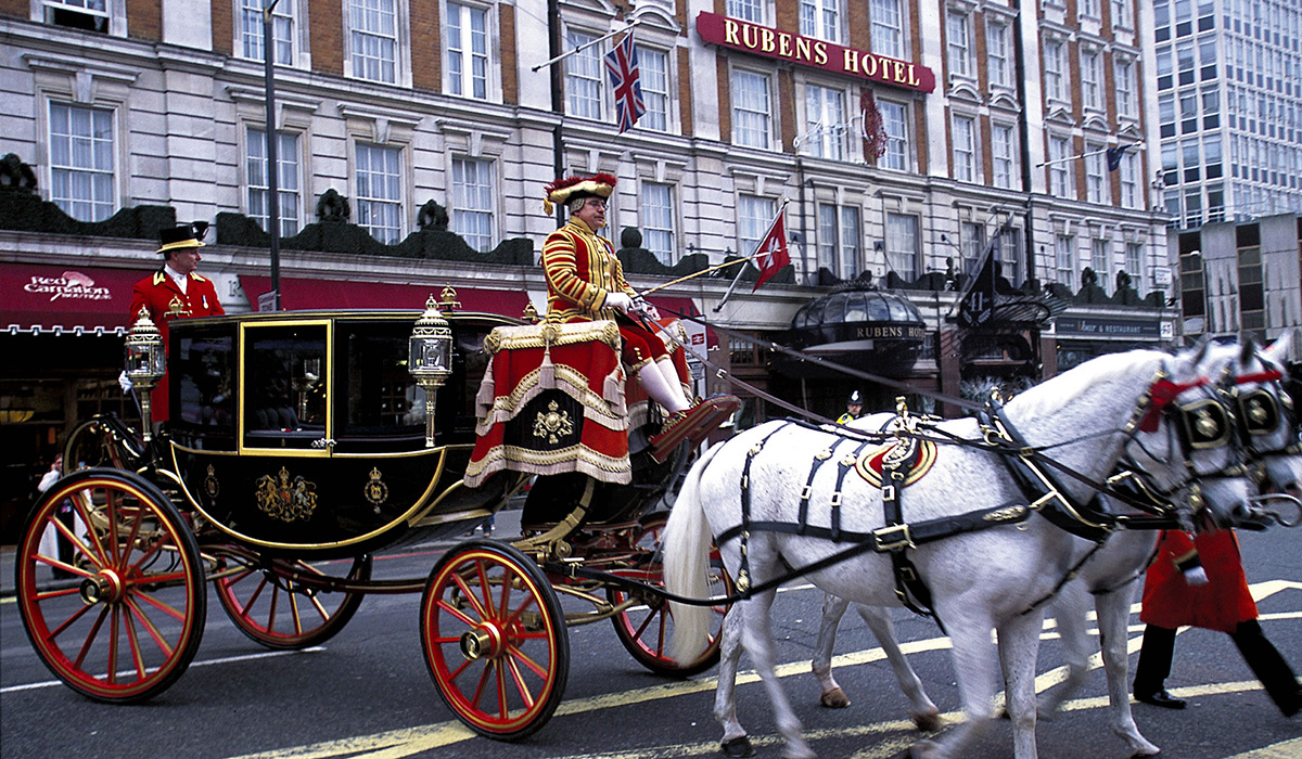 Queen's carriage outside the Rubens at the Palace Hotel - London, UK