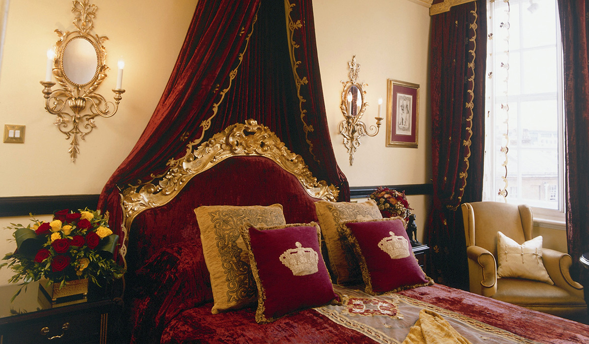 Royal double guestroom at the Rubens at the Palace Hotel - London, UK